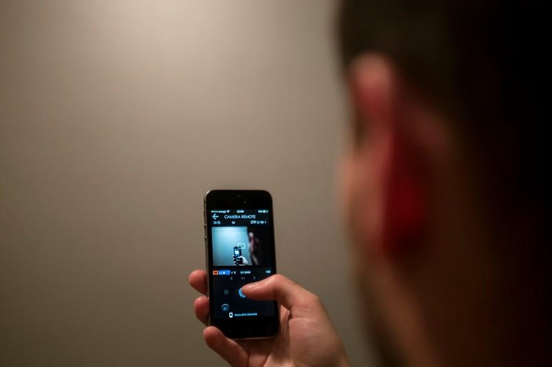 Синий цвет экранов разрушает глаза: исследование